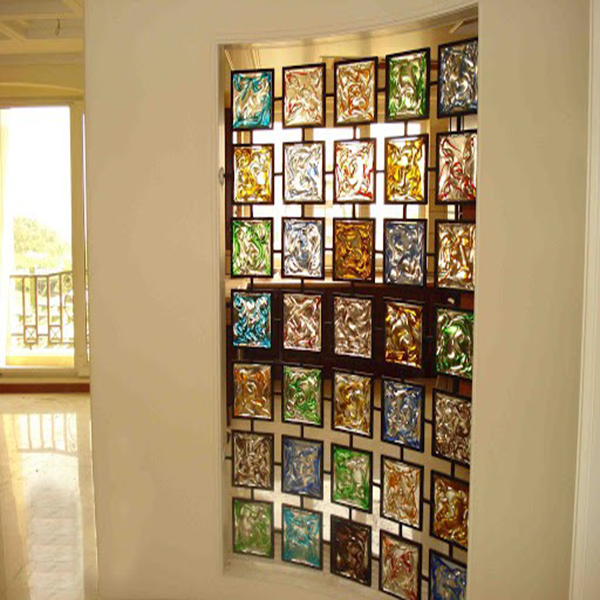 معرفی انواع شیشه های تزیینی