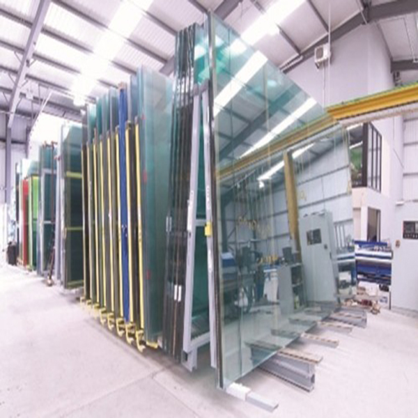 تاریخچه صنعت شیشه در ایـران