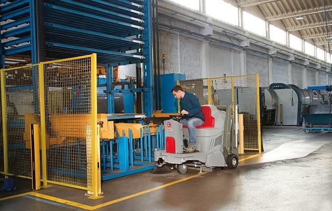 نحوه نظافت صنعتی کارخانه تولید شیشه و بلور