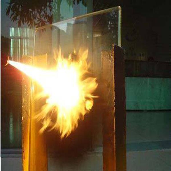 معرفی انواع شیشه های ضد حریق و تست های این نوع شیشه ها